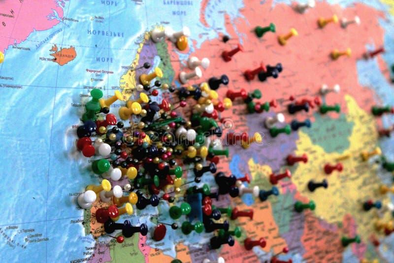 Карта с pushpins стоковое фото rf
