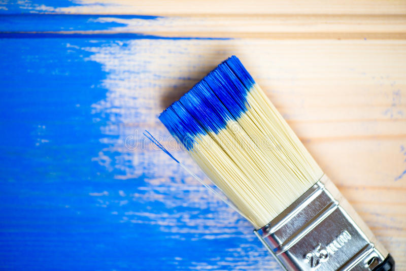 Картина деревянных планок с щеткой и голубой краской цвета стоковая фотография rf