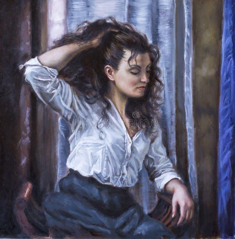 Картина молодой женщины с ее рукой в ее волосах стоковые фотографии rf