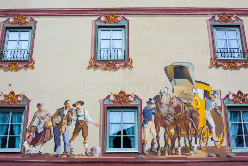 Картина дома на стене - Mittenwald, Германия стоковые изображения rf