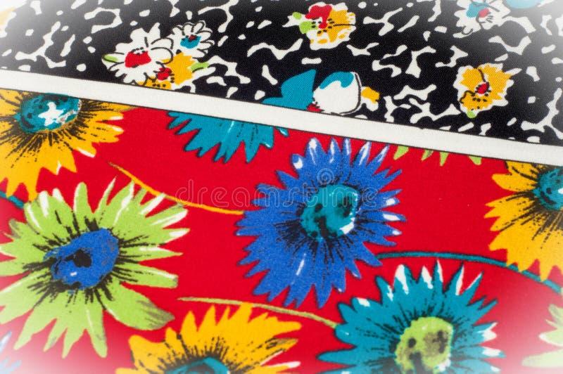 Картина предпосылки текстуры Точная silk ткань, цветочный узор te стоковое изображение