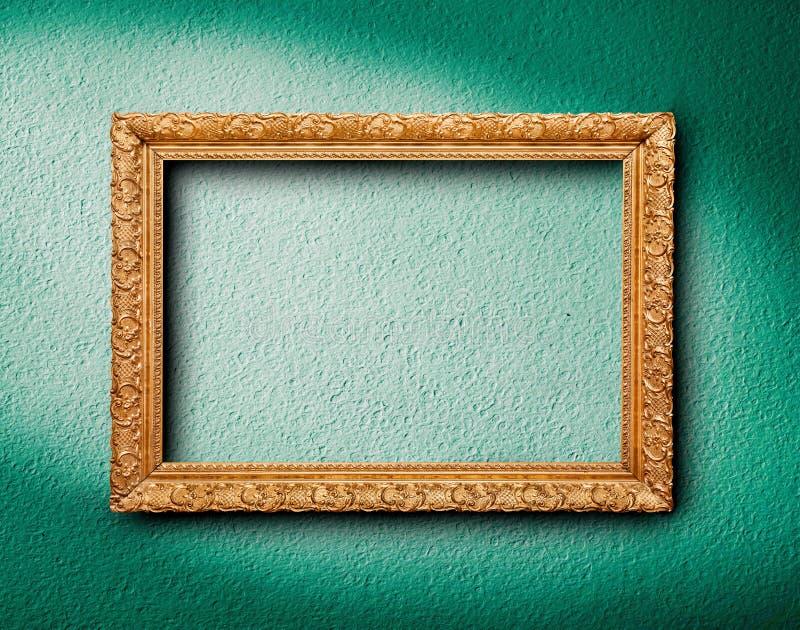 Картинная рамка на стене стоковые изображения
