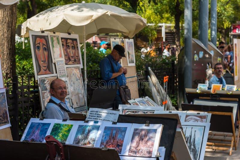 Картины для продажи на улице Барселоны стоковая фотография