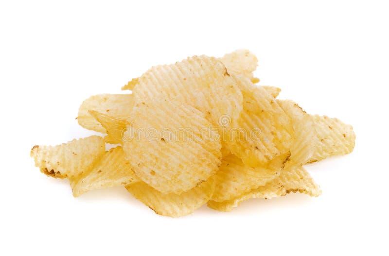 Картофельные чипсы изолированные на белой предпосылке стоковая фотография