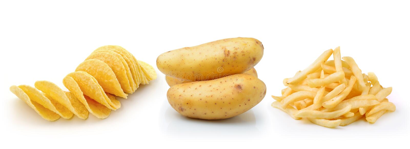 Картофельные стружки, фраи француза и картошка на белом backgrou стоковая фотография