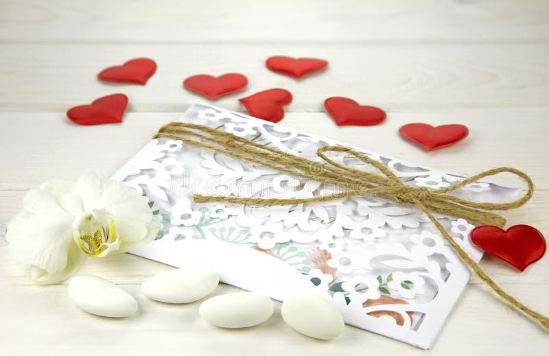 Карточка свадьбы с confetti стоковое фото rf