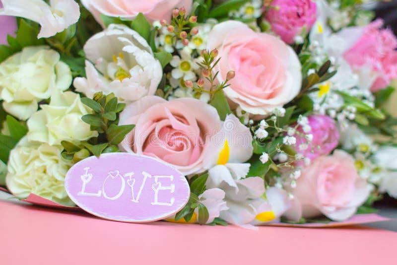 карточка цветет пинк влюбленности стоковые фотографии rf