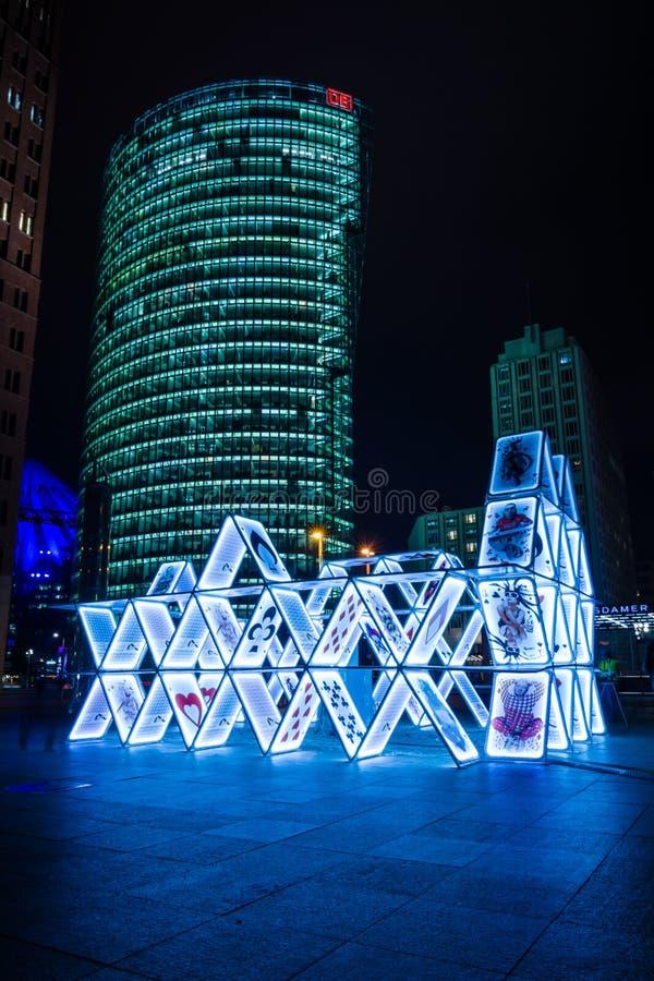 Карточный домик установки искусства на Potsdamer Platz стоковое фото