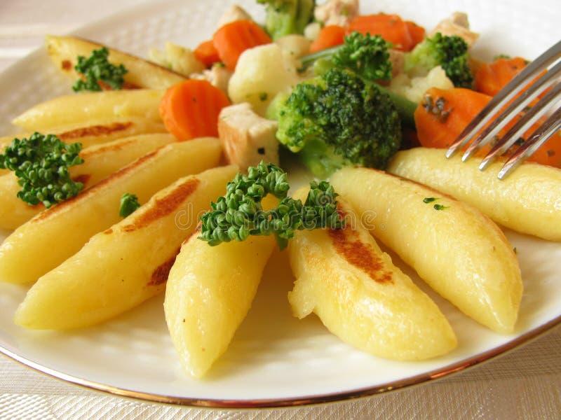 картошка лотка лапши стоковая фотография