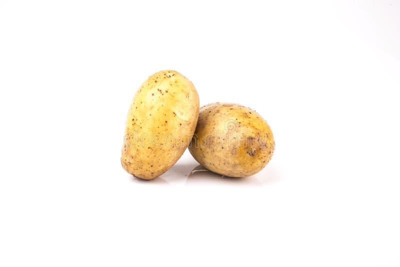 картошки изолированные предпосылкой белые стоковое фото