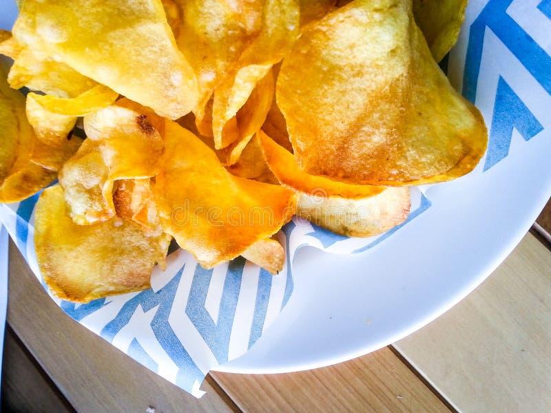 Картошки самонаводят сделанные обломоки стоковая фотография rf