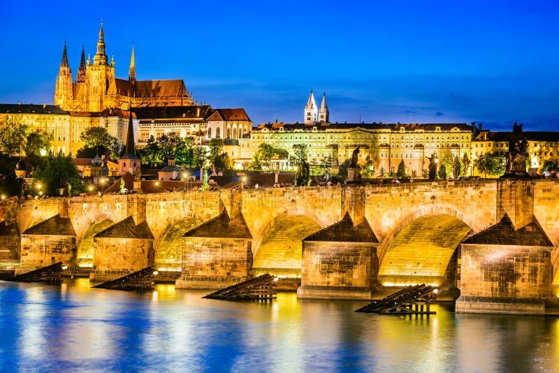 Карлов мост, замок Праги, чехия стоковое фото rf