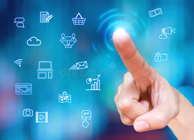 Касание пальца на экране с значком характеристики маркетинга цифров на bl стоковое изображение rf