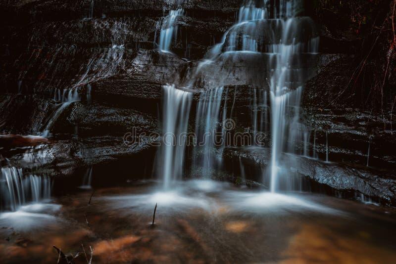 Каскады потока горы стоковое фото