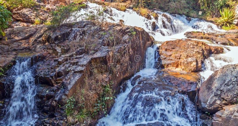 Каскад водопада Datanla стоковое фото rf