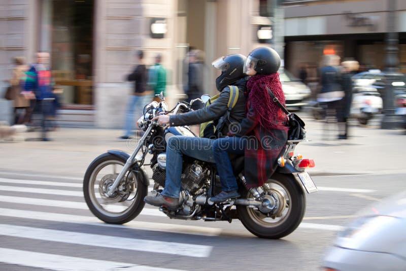 Катание мотоцикла стоковая фотография