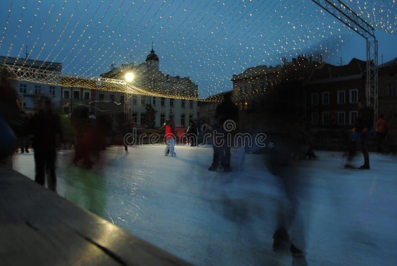 Катание на коньках на квадрате в городе Olomouc стоковое фото