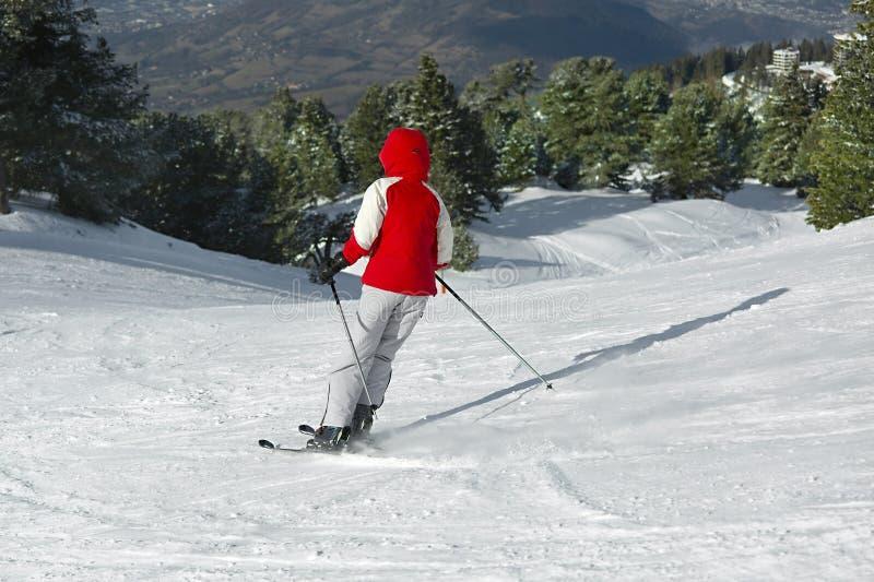 кататься на лыжах alps стоковое фото rf
