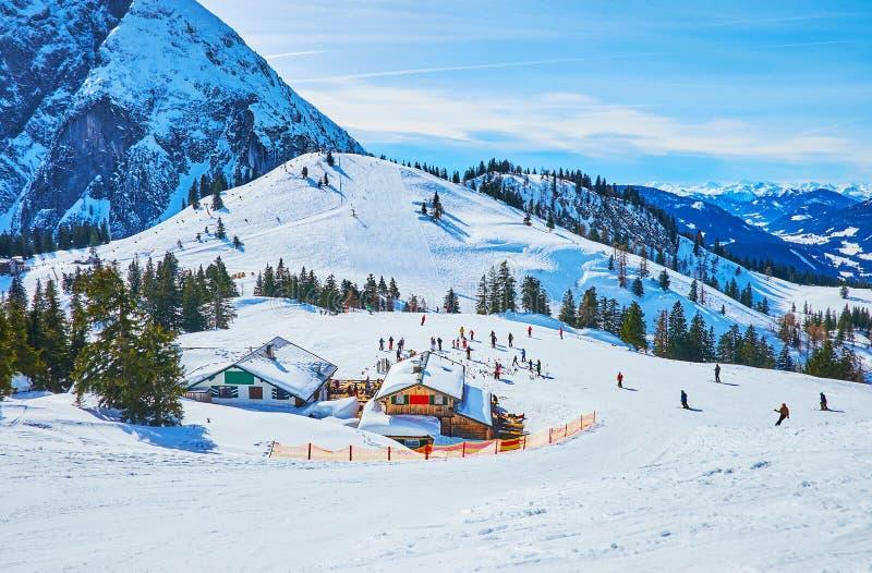 Катающся на лыжах в Gosau, Австрия стоковое фото