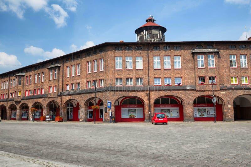 Катовице/исторический район и традиционная архитектура в районе июне 2017 Nikiszowiec стоковое фото