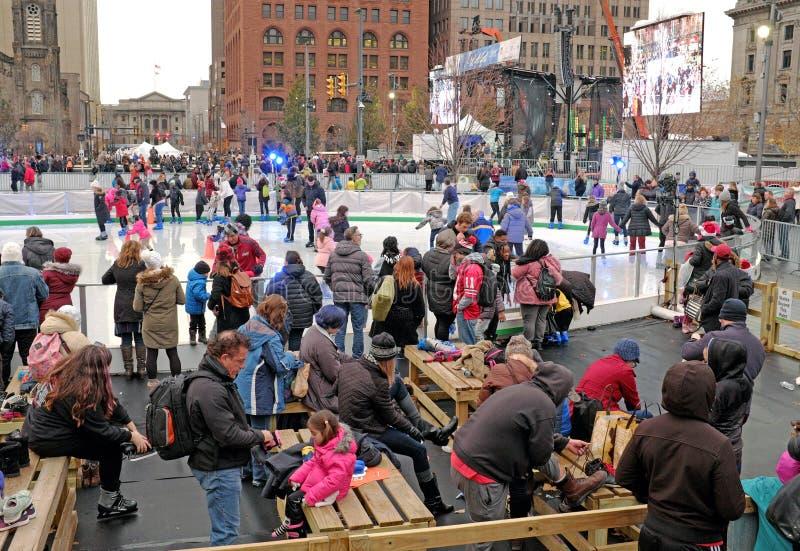 Каток 2018-2019 катания на коньках публичной арены Кливленд во время Winterfest стоковое фото rf