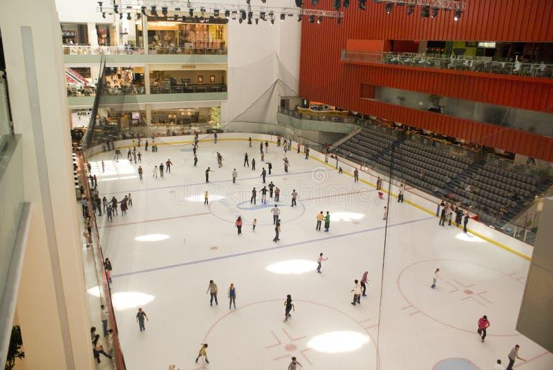каток мола льда Дубай стоковое изображение