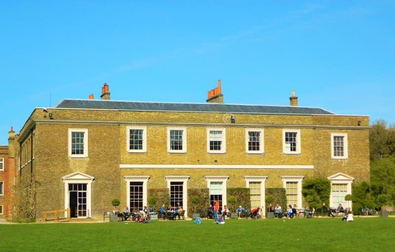 Кафе гостиной дворца Fulham в Fulham Лондоне стоковая фотография