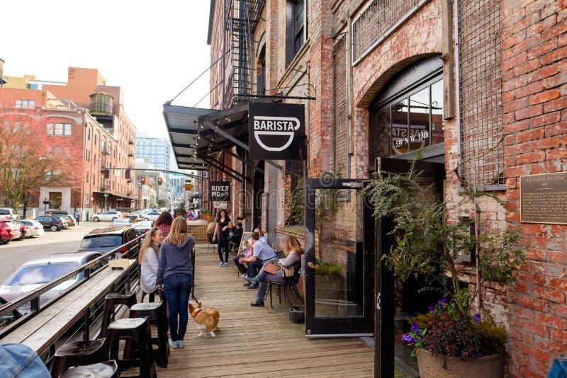 Кафе кофейни Barista в Портленде Орегоне стоковое фото rf
