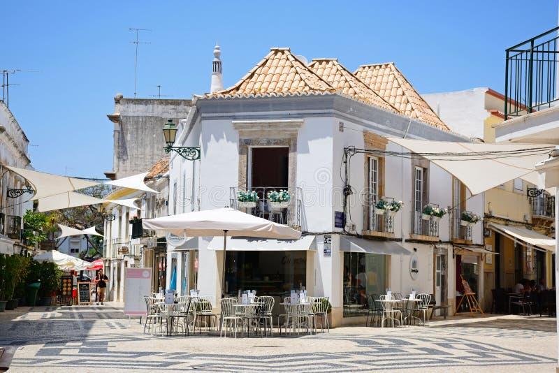 Кафе мостоваой центра города, Faro стоковые изображения