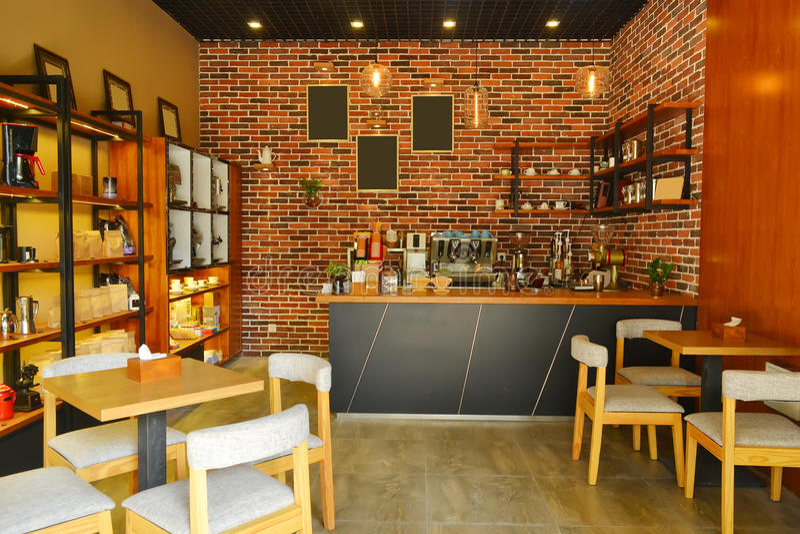 кафе предводительствует пустые нутряные таблицы номера стоковое изображение