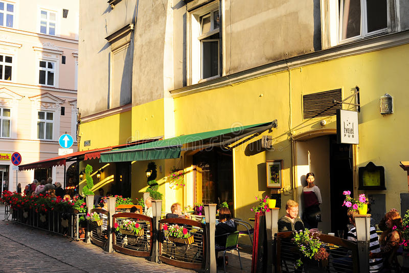 Кафе улицы Кракова стоковые изображения