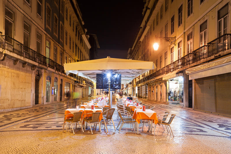 Кафе улицы, Лиссабон стоковая фотография