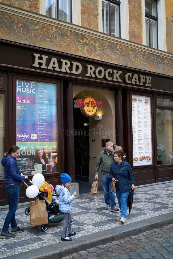 Кафе Хард-Рок в Старом городе Праги стоковые изображения