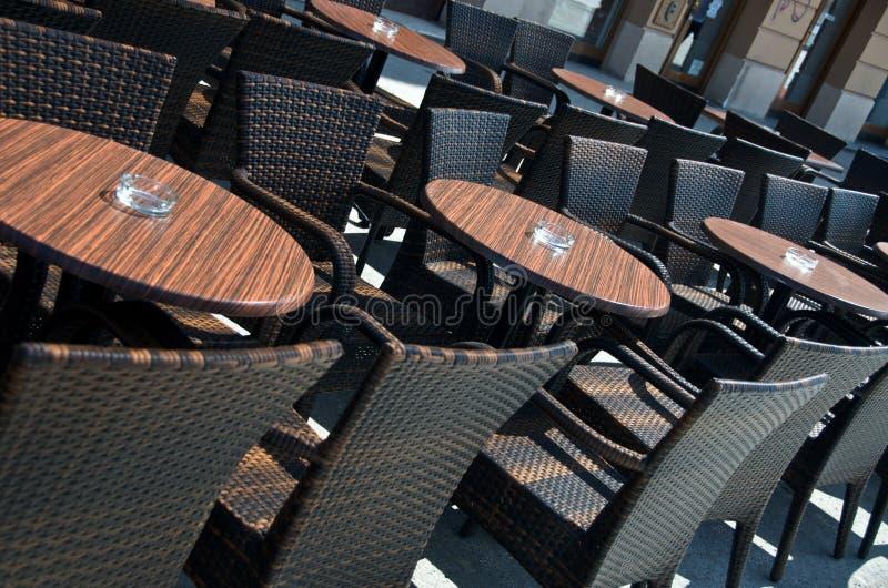 кафе outdoors стоковые фотографии rf