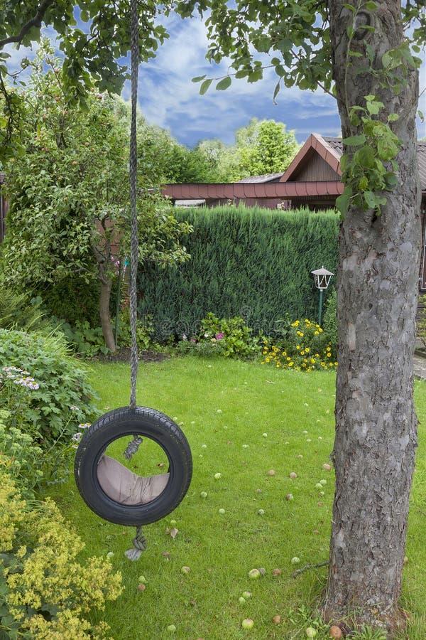 Качание сада стоковые фото
