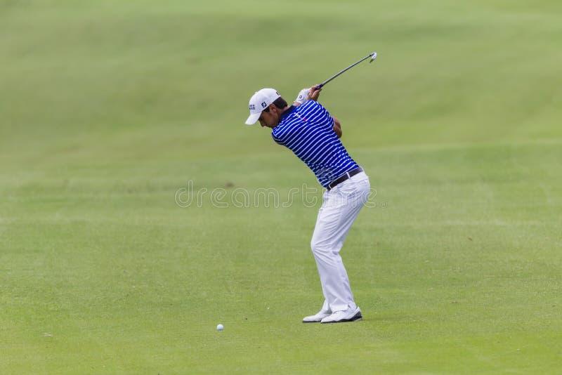 Качание Manessero гольфа профессиональное стоковые фото