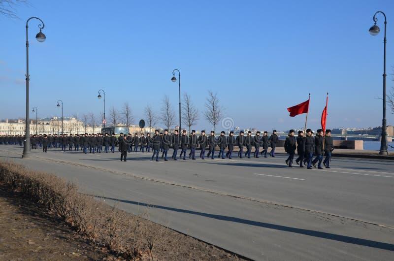 Кадеты школы военно-морского флота Nakhimov стоковое изображение