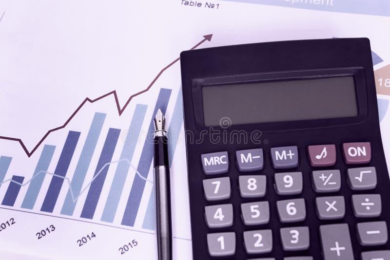 Калькулятор ручки диаграммы статистики диаграммы дела Харта ¡ Ð стоковое фото