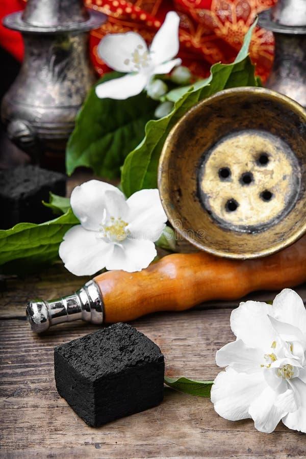 Кальян с вкусом жасмина стоковые изображения rf