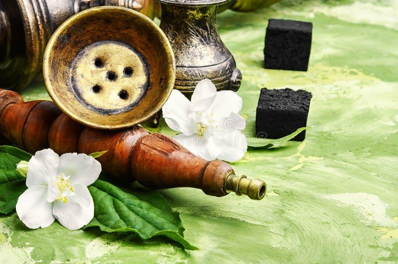 Кальян с вкусом жасмина стоковое фото rf