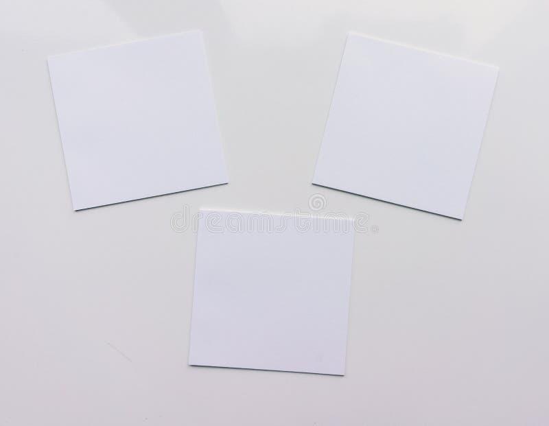 Квадратный лист 3 на белой предпосылке Взгляд сверху Конец-вверх бесплатная иллюстрация