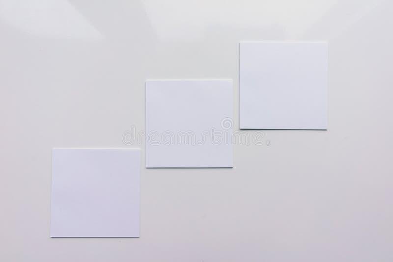 Квадратный лист 3 на белой предпосылке Взгляд сверху Конец-вверх иллюстрация вектора