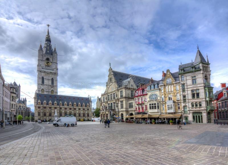 Квадрат и Бельфор Bavo Святого возвышаются, Gent, Бельгия стоковые изображения