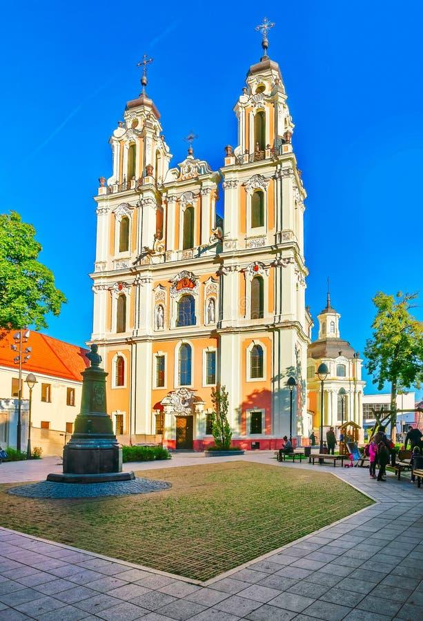 Квадрат на церков St Катрин в Вильнюсе стоковое изображение