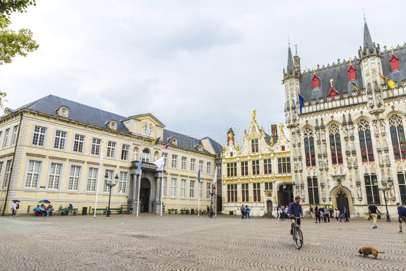 Квадрат Burg с здание муниципалитетом в Брюгге, Бельгии стоковое фото rf