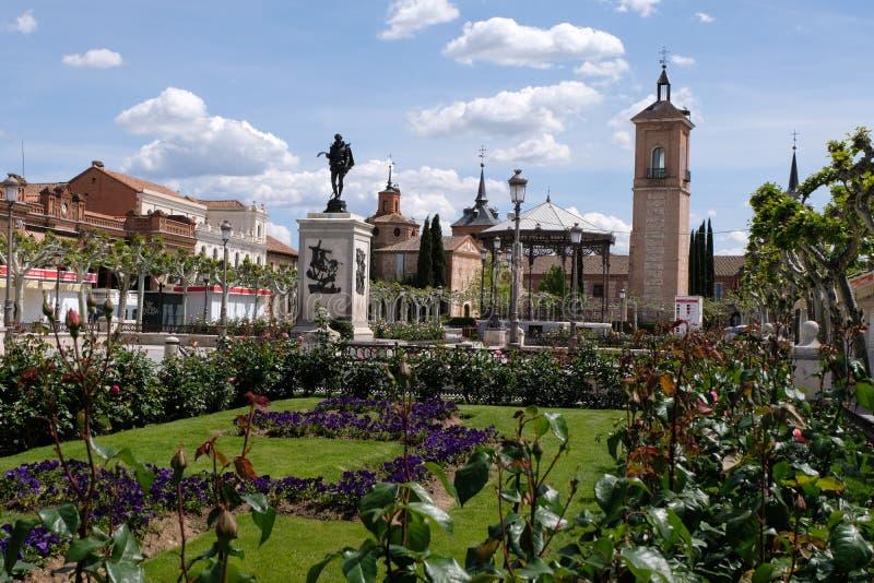 Квадрат Cervantes в Alcala de Henares в Испании стоковое фото rf