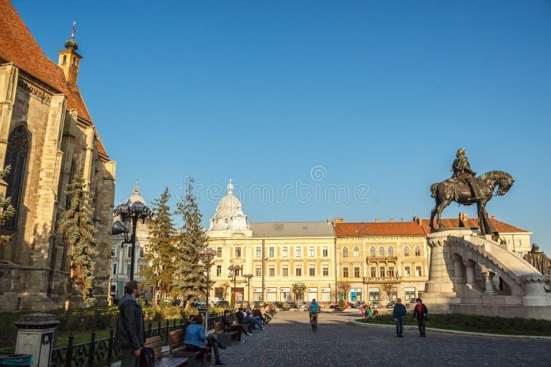 Квадрат Unirii и церковь ` s St Michael в cluj-Napoca стоковые фотографии rf