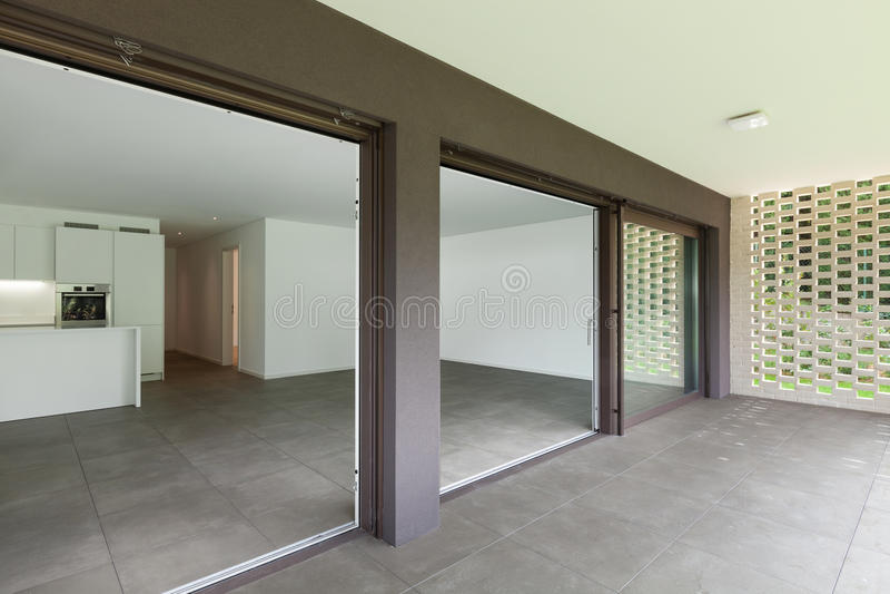 Квартира, широкая веранда стоковые фотографии rf