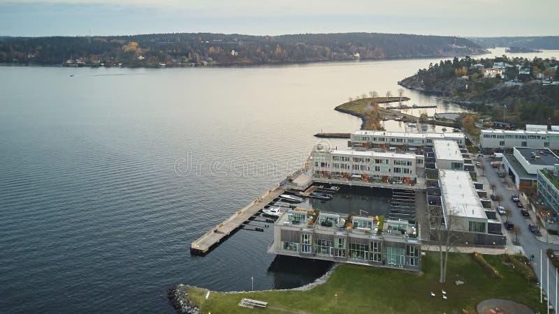 Квартиры, часть пристани Gashaga, одного из самых исключительных проектов жилищного строительства семьи в Швеции конструировали в стоковое изображение rf