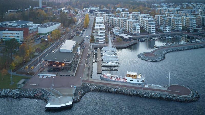 Квартиры, часть пристани Gashaga, одного из самых исключительных проектов жилищного строительства семьи в Швеции конструировали в стоковые изображения